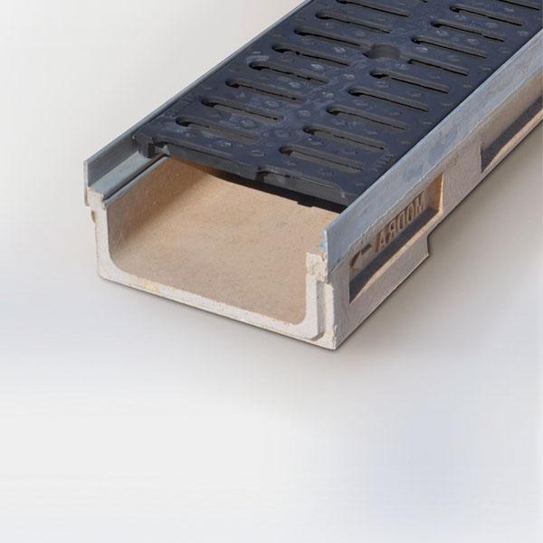 Canales de hormigón polímero marco zincado y rejillas metálicas tráfico pesado